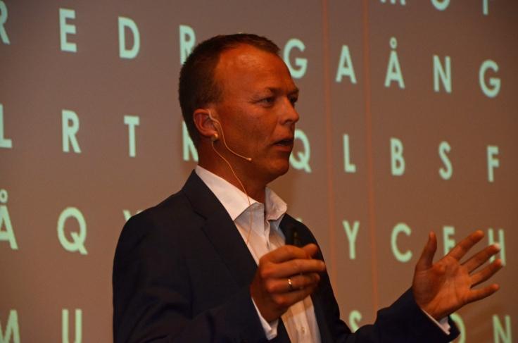 Nils M. Apeland